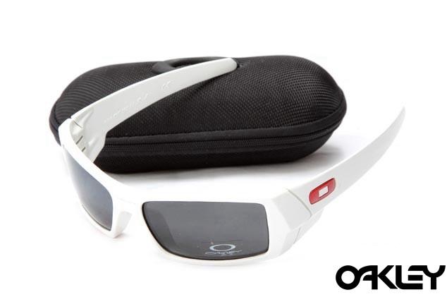 Oakley gascan sunglasses in white and black iridium