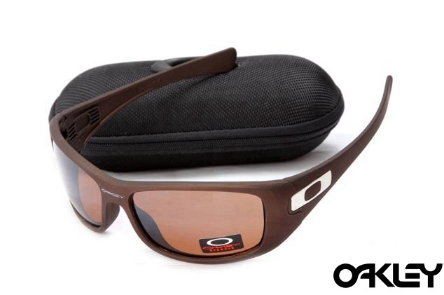 Oakley hijinx sunglasses in earth brown and VR50 brown gradient
