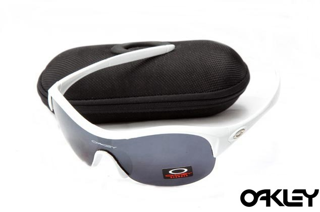 Oakley enduring pace sunglasses in white and black iridium online