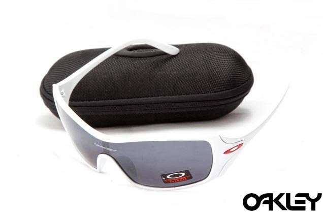 Oakley dart matte white and black iridium