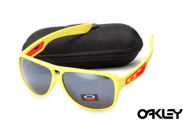 Oakley dispatch II sunglasses in yellow and black iridium