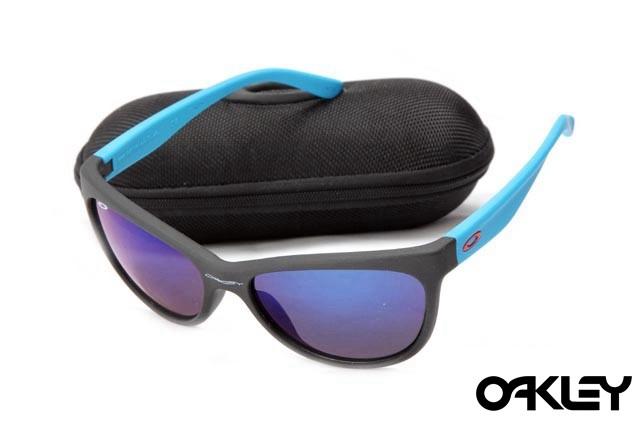 Oakley fringe matte black and black violet iridium