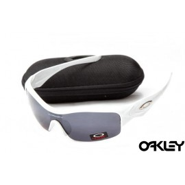 Oakley straight jacket sunglass polished white and black iridium