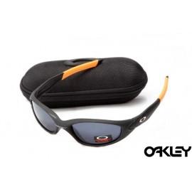 Oakley straight jacket sunglass matte black and smoke grey