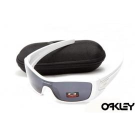 oakley batwolf sunglasses in polished white and black iridium