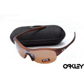 Oakley enduring pace sunglasses in dark brown and VR28