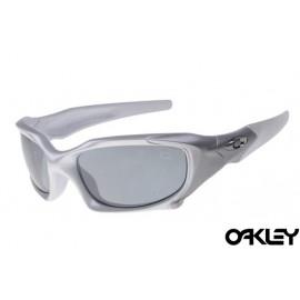 Oakley pit boss sunglasses in matte silver and grey iridium