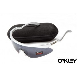 Oakley razor blade new sunglasses in silver streak and black iridium