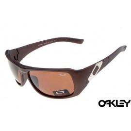 Oakley sideways sunglasses in dark brown  and VR28